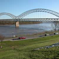 The Sherman Minton Bridge (I-64) over the Ohio River, Viewed from Jaycee Park in New Albany, Indiana, Нью-Олбани