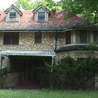 Coronado Lodge, Портер