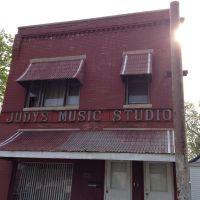 Judys music studio state line ave., Хаммонд