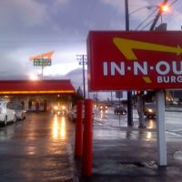 Azusa In N Out looking South on a rainy day in So Cal., Азуса