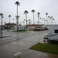 Anaheim RV Village in Rain, Анахейм