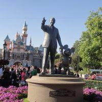 Walt Disney, Анахейм