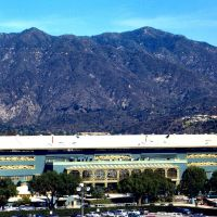 The San Gabriel mountains and Santa Anita Racetrack., Аркадиа