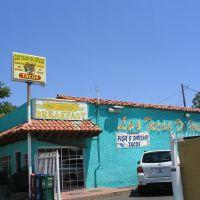 Tacos de Huicho in Bakersfield, Бакерсфилд