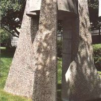 Sanctuary Dolmen I, sculpture by Rick Fisher, Белл-Гарденс