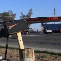 Texaco on Brawley, California, Броули