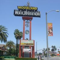 Movieland Wax Museum (Front Street Marquee), Буэна-Парк