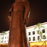 Father Serra over looking the City of Ventura California, Вентура