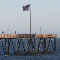 Flag flying over Ventura Beach, Вентура