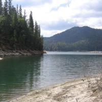Bass Lake, Вест-Комптон