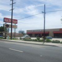Ken Cranes Big Screen Headquarters and Dunn Edwards Paints, Вестминстер
