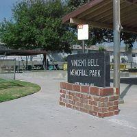 Vincent Bell Memorial Park, Гардена