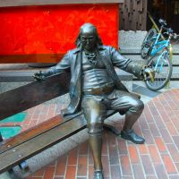 Ben Franklin on a Bench in Glendale, California, Глендейл