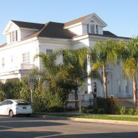 Rives-Moccabe house built 1912 located at 10921 Paramount Blvd., Downey, CA, USA, Дауни