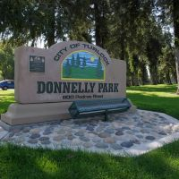 Donnelly Park, Turlock CA, 10/2011, Дели