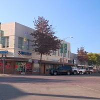 Downtown Dinuba: L and Tulare streets, Динуба