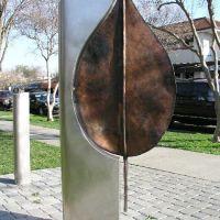 Bronze Leaf public sculpture for Tree Davis by Gilbert Menke, Davis artist, Дэвис