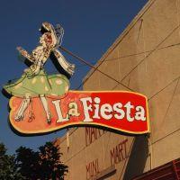 La Fiesta, Истон