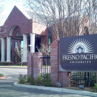 Fresno Pacific University Fresno, Ca., Истон