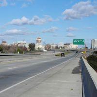 Hwy 41 heading into downtown Fresno, 1/2013, Истон