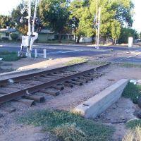 Chestnut Avenue Railroad Crossing (View Northeast), Истон