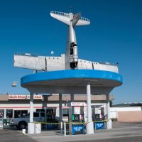 """Pumps Down/Plane Still Up"" @ The Quick Stop Minimart, Caruthers CA, 5/2011, Карутерс"
