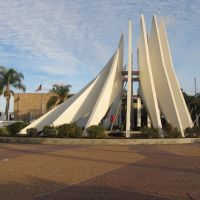 LOS ANGELES COUNTY COURTS/MONUMENT, Комптон