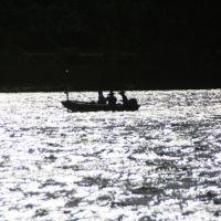 A fishing boat on Lake Murray, Ла-Меса