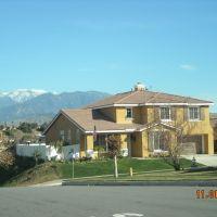 Ciudad de Loma Linda, vista invernal hacia los Mtes. de San Bernardino, Линда