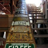 Rampe en plaques minéralogiques au Bravo Farms (près de Bakersfield) Californie, Лондон