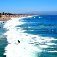 Surfs Up • Looks South at Palos Verdes • Manhattan Beach, Манхаттан-Бич
