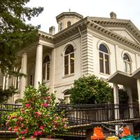 Viewing south-south-westerly at the Sutter Co. Courthouse-West. 446 2nd St., Yuba City, California, Марисвилл