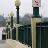 P St overpass, 12/2012, Модесто