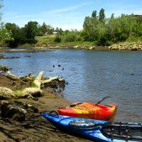 Kayaks on the Napa River, Напа