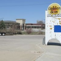 Golden Sun Plaza on N 4th St, Norfolk, Nebraska, Норволк