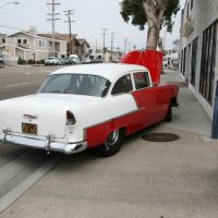 Old Car in Newport Beach, CA 6-15-8 by Stephen, Ньюпорт-Бич