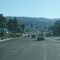 Highway in Oakhurst, Оливхарст