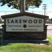Lakewood City Sign, Парамоунт