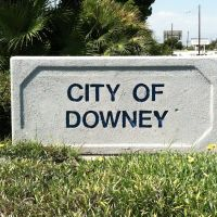 Downey City Sign, Парамоунт