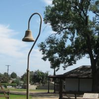 El Camino Real (Spanish for The Royal Road, also known as The Kings Highway) Bell in the Pío Pico State Historic Park in Pico Rivera, CA., Пико-Ривера