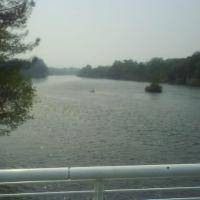 Río Sacramento, visto del puente Sundial, Реддинг