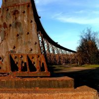 Semi Circle Railroad Trestle, Redding, California, Реддинг