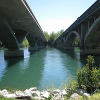 Two Bridges, Реддинг