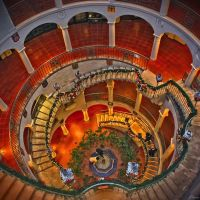 Spiral Staircase of Mission Inn, Riverside, California, National Landmark, Риверсайд