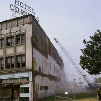Good by Hotel Cominos, Salinas was a victim of the 1989©Pat Hathaway  Loma Prieta Earthquake, Салинас