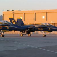 Blue Angels at United Maint. Base, Сан-Бруно