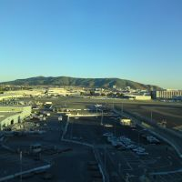 South San Francisco hills seen from SFO airport, Сан-Бруно