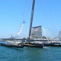 Americas Cup Challenger & USS Midway, Сан-Диего
