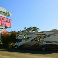 Madonna Inn parking lot, Сан-Луис-Обиспо