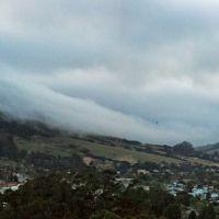 Fog rolling over Cerro San Luis, 5-4-09, Сан-Луис-Обиспо